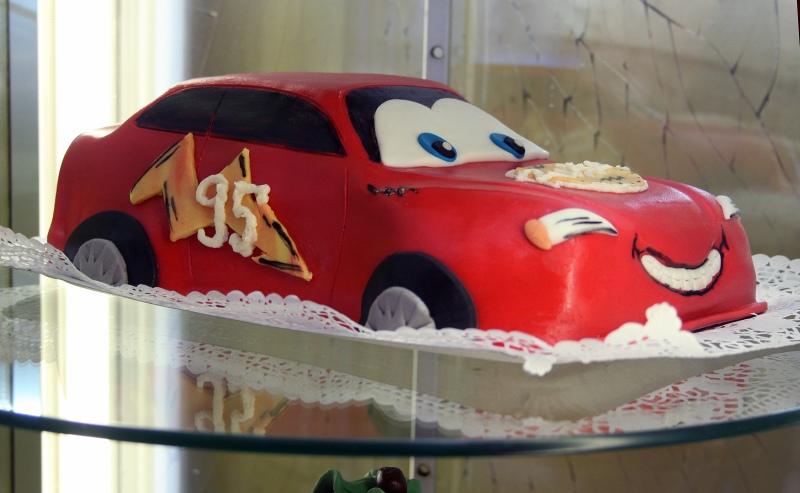 gyermek születésnapi torták Figurás szülinapi torták gyermek születésnapi torták
